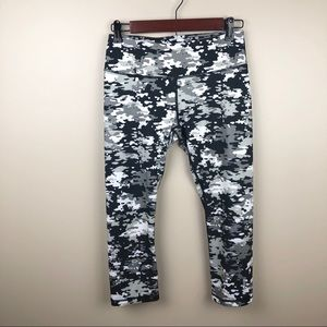 Reebok Black & White Camo Print Athletic Capris